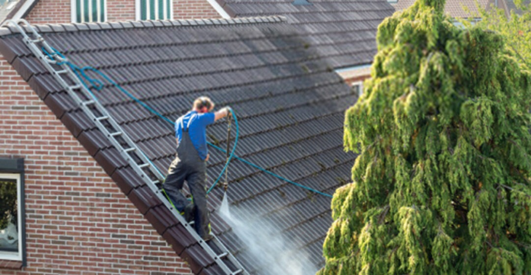 How to clean your roof effectively